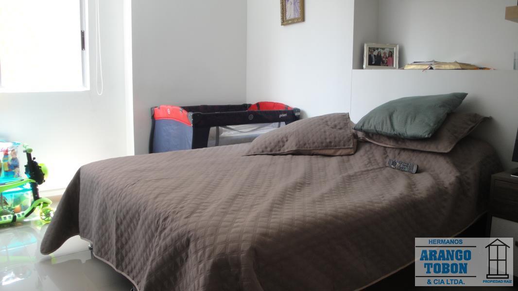 Apartamento en Venta en Medellin - Loma De Los Bernal