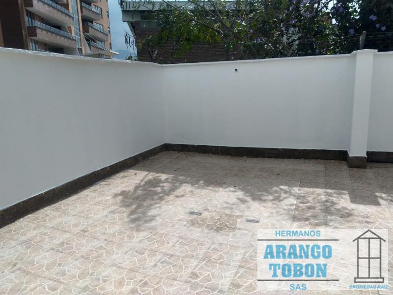 Casa en Arriendo en Medellin - Poblado
