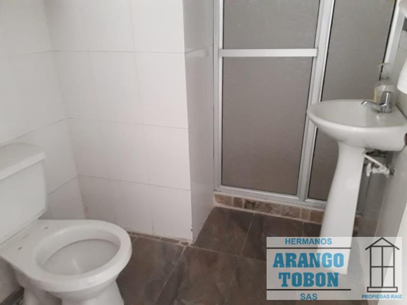 Casa en Arriendo en Medellin - La Castellana